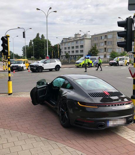 Aanrijding op kruispunt N186 en Camille Huysmanslaan: Houd rekening met verkeershinder
