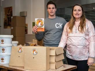 """Uitbaters eetcafé Hamilton schakelen over op aan huis geleverde gefrituurde kip: """"Niet bij pakken blijven zitten"""""""