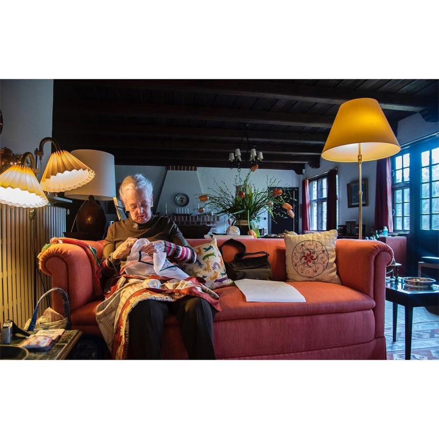 Koningin Margrethe en haar borduursels