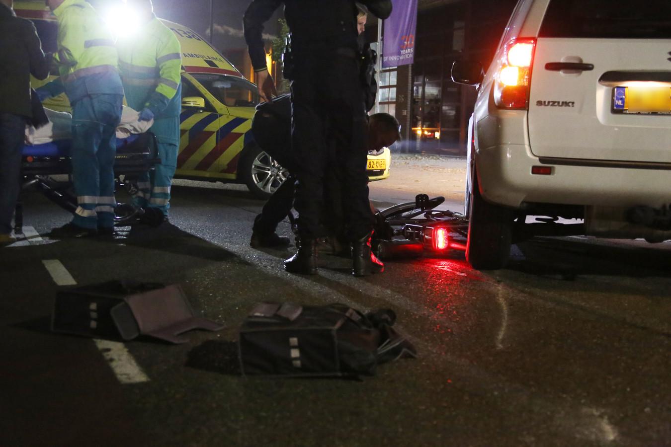 Fietser raakt gewond na aanrijding in Mijdrecht.
