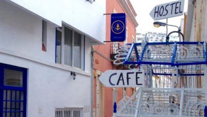 Het hostel in Albufeira waar de meisjes verbleven.