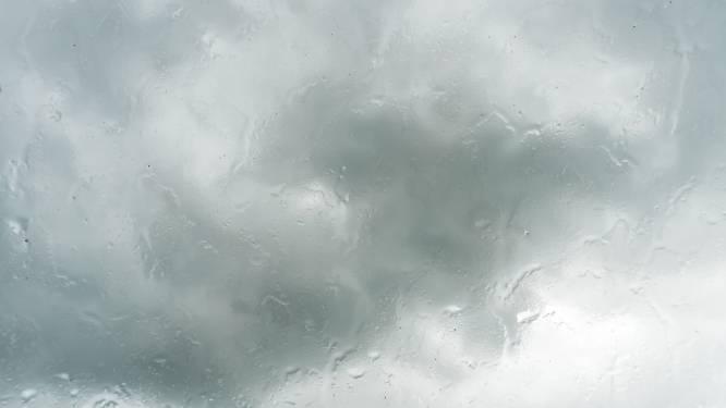 Bewolkt en nevelig met kans op wat gedruppel of motregen
