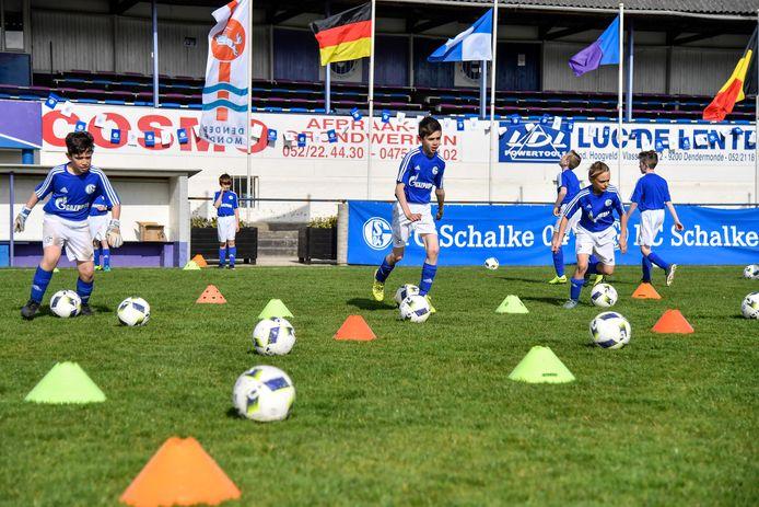 Een paar jaar geleden organiseerde KAVD nog een voetbalkamp voor haar jeugdspelers met trainers van Schalke O4 .  De werking moet nu een nieuwe boost krijgen.