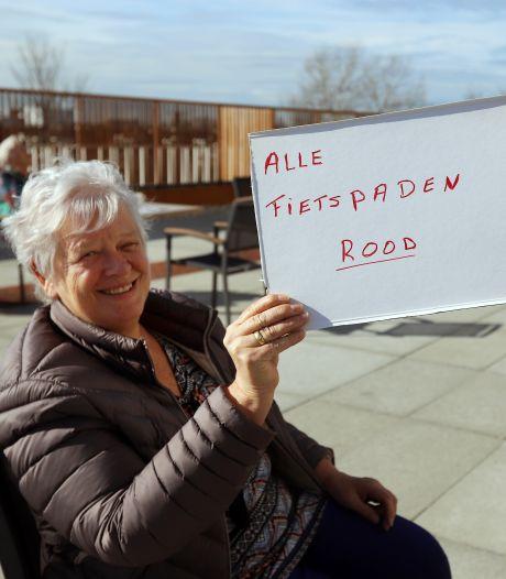 Hoe deze ouderen dankzij een smoes gezellig samen koffie konden drinken, 'alle fietspaden moeten rood!'