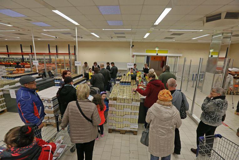 Een Mere-supermarkt in Zwickau, Saksen. Beeld ISOPIX