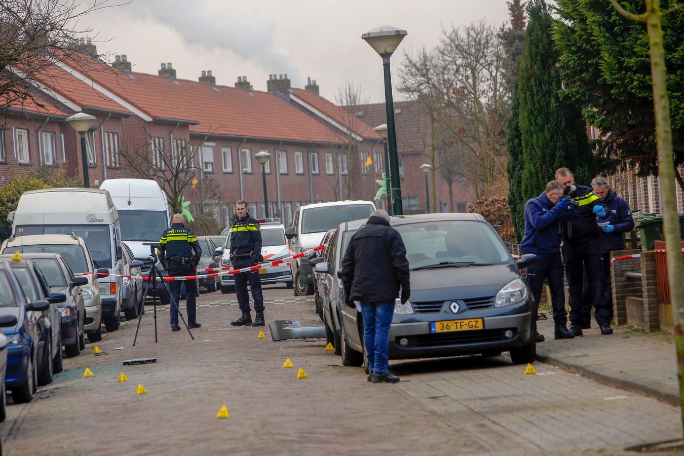 Rond 04:30 uur werden de bewoners van de Johannesburgstraat in Eindhoven opgeschrikt door een explosie.