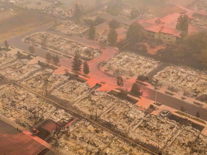 Op dronebeelden van Oregon is te zien dat Talent en vier andere steden werden verwoest. Meer dan een half miljoen mensen - 10% van de inwoners- werd geëvacueerd.