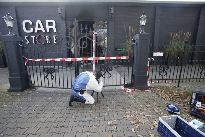 Ravage bij Carstore in Oirschot na aanslag