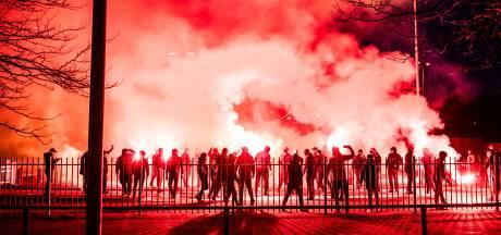 Burgemeester Marcouch en aanhang Vitesse op ramkoers na sfeeractie bij halve finale
