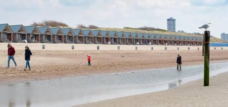 Er staan en komen niet meer strandhuisjes op het Vlissingse Nollestrand dan vroeger, maar ze zijn wel groter geworden
