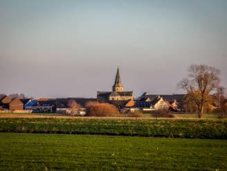 """Beschermde kerk van Bovekerke gaat in de steigers: """"We wachten al 7 jaar op subsidies"""""""