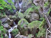Au moins deux morts dans une gorge en Autriche après la chute de rochers