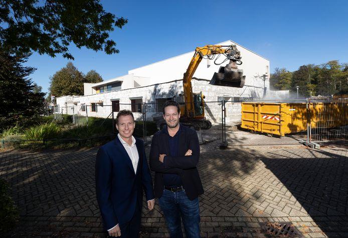 De renovatie van theater De Kattendans, met wethouder Stef Luijten (l) en Kattendans-directeur Dries Floris.