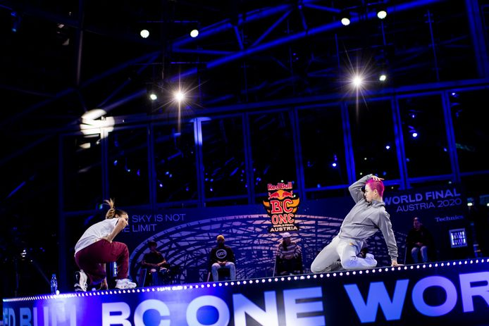 Madmax in de wereldfinale van de Red Bull BC One, uiteindelijk haalde ze zilver.