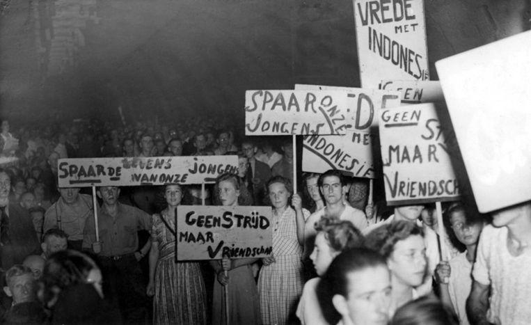 Een door CPN de Waarheid georganiseerd protest tegen de politionele acties, juli 1947. Beeld ANP