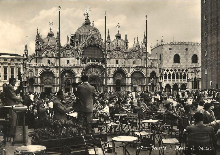 Het San Marcoplein omstreeks 1955. Beeld RV
