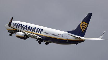 Toestel van Ryanair maakt noodlanding na verlies van een wiel