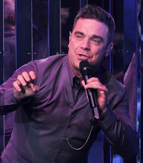 Robbie Williams bij eerste liveshow The Voice