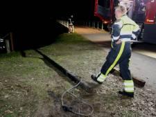 Vandalen houden huis in Helvoirt: palen uit grond getrokken, verkeersborden omver