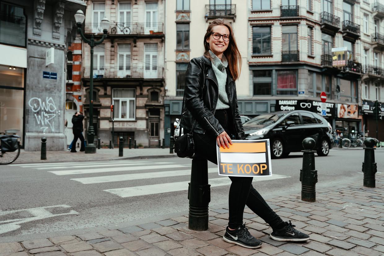 Katie, strateeg in het bankwezen, kocht in mei een appartement in de Dansaertwijk. Beeld Damon De Backer