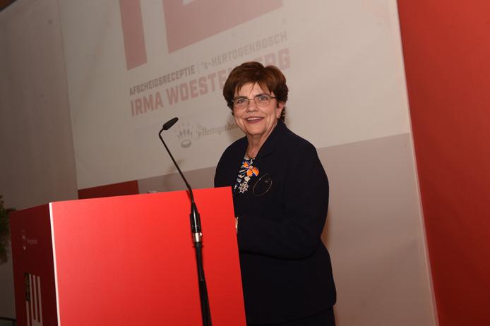Irma Woestenburg werd onderscheiden.