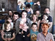 Leuk, zo'n enorm gezin. Maar wie draagt de lasten?