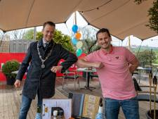 Nieuwveen heeft er een mega Beach Club-terras bij, en ook de burgemeester is blij: 'Echt een aanwinst'
