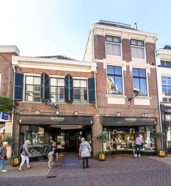 Het pand dat door Zwollenaar en NSB'er Johan Geerink in de Tweede Wereldoorlog werd gekocht, nadat hij de Joodse bewoners eerst had verraden.