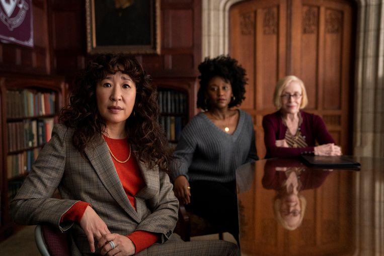 Sandra Oh schittert in 'The Chair', een satire op het Amerikaanse universiteitswezen. Beeld ELIZA MORSE/NETFLIX
