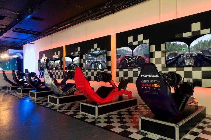 In de racesimulatoren van Race & Game Centre Ede waan je je even een echte Formule 1-rijder.