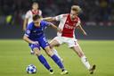Frenkie de Jong zegt nog zeker een jaar bij Ajax te blijven.