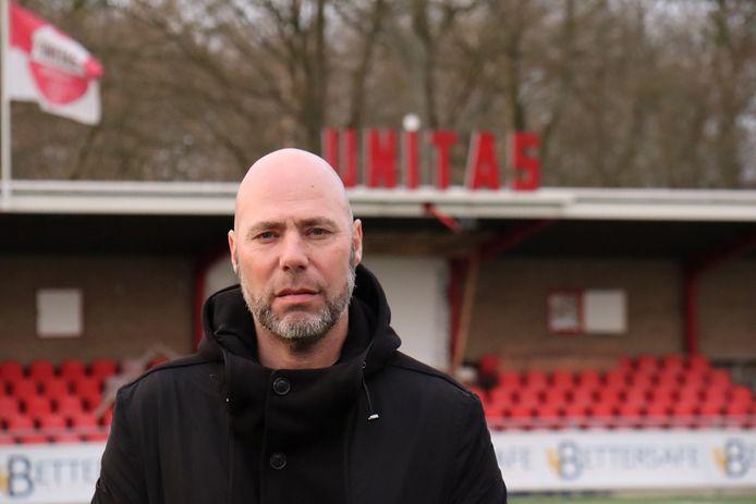 Michel van Oostrum hoopt op oude club FC Emmen bij bekerloting.  ,,Dat heeft onze voorkeur.''