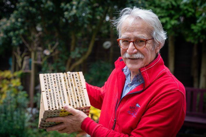Joop Dahm is als vrijwilliger op vele fronten actief.