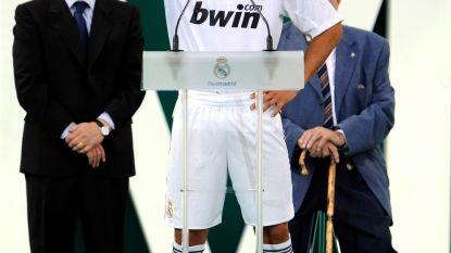 Presentaties bij de Koninklijke Een bijna vol stadion bij Ronaldo, niemand voor Zidane