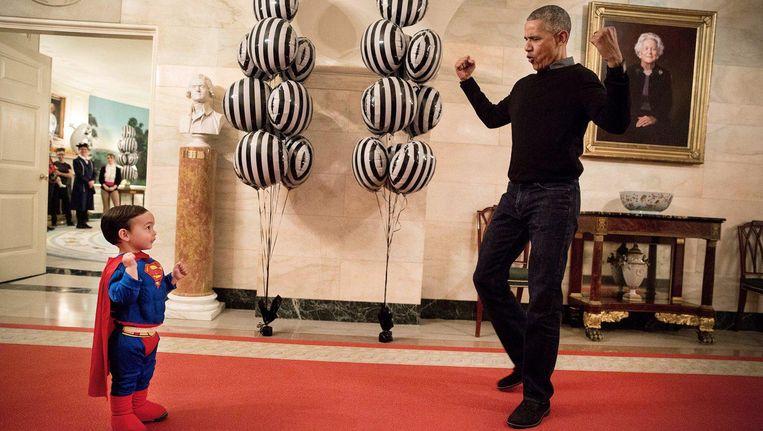 President Obama in actie tijdens Halloween, oktober 2016. Beeld The White House