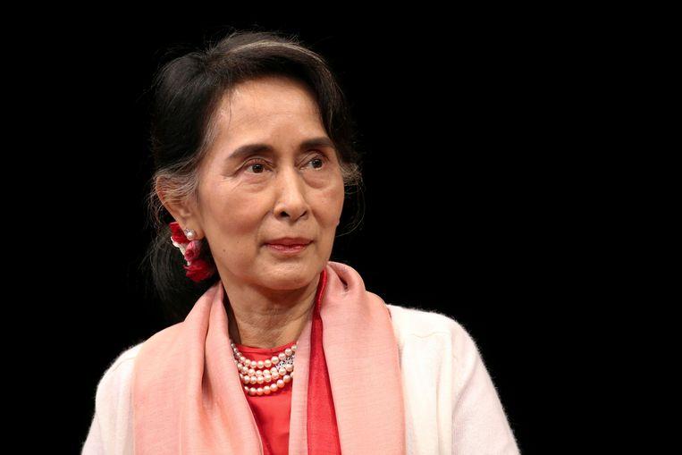 Aung San Suu Kyi kreeg in 1991 nog de Nobelprijs voor de Vrede, maar ligt nu internationaal onder vuur. Beeld REUTERS