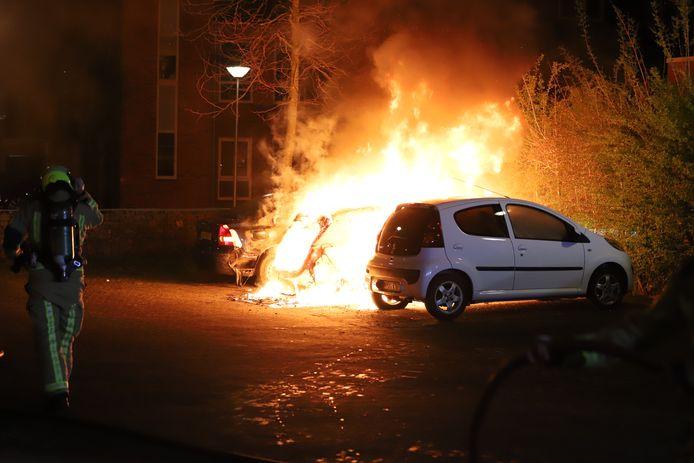Autobrand aan de Goudappel in Den Hoorn.
