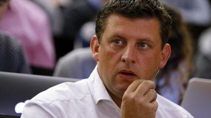 """Crombez blijft voorzitter sp.a: """"Maar partij moet grondig vernieuwen"""""""