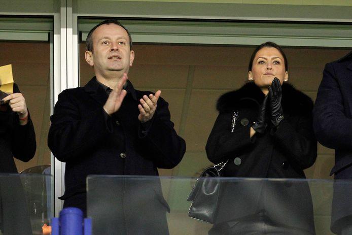 Alexander Tsjigirinski, aanwezig in GelreDome. Rechts: Marina Granovskaia, directeur van Chelsea.