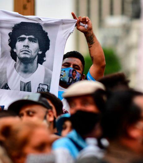 Verpleegkundige geeft dokters schuld van dood Maradona: 'Ze hebben hem vermoord'