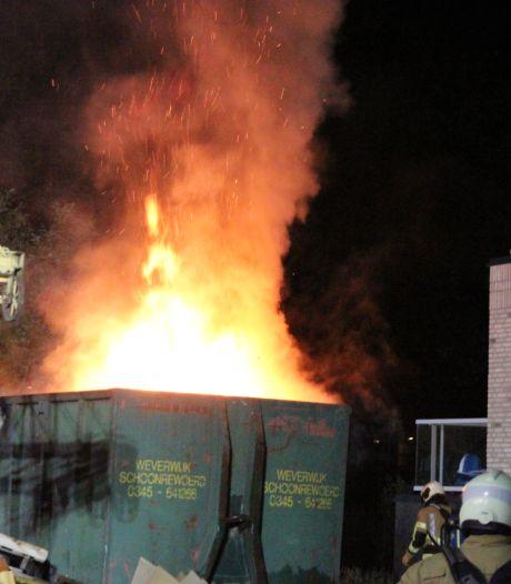 Drie verdachten aangehouden bij containerbrand Leerdam