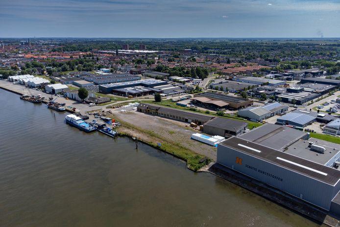 Schotte Kunststoffen gaat verkassen naar Ens omdat een nieuwe fabriek bouwen op de huidige locatie op te veel procedurele problemen stuitte.