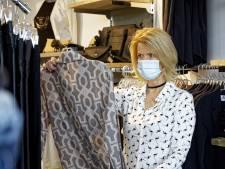 Mondjesmaat klanten in winkels: Iedereen blij dat er 'weer wat kan'
