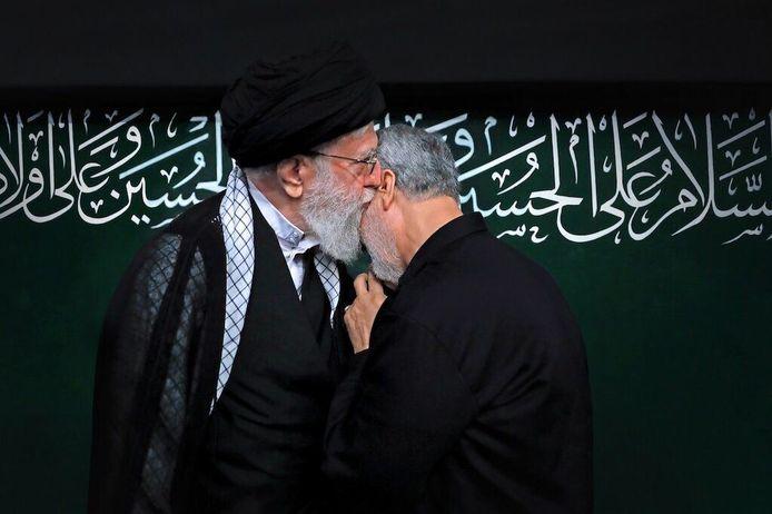 Ayatollah Ali Khamenei met Qassem Soleimani
