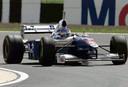 Jacques Villeneuve in zijn Williams Renault op Silverstone in 1997.