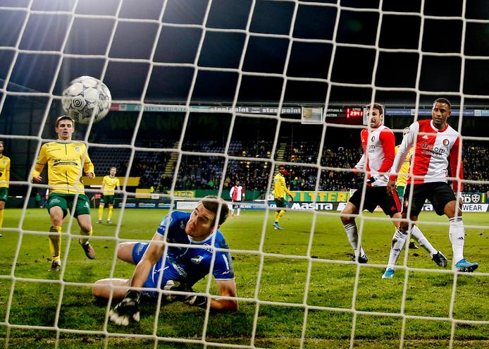 De winnende goal van Luciano Narsingh.
