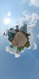 De Blob en de Lichttoren in het centrum van Eindhoven, maar dan anders op deze zogenaamde 'tiny planet'. foto Peter Dautzenberg