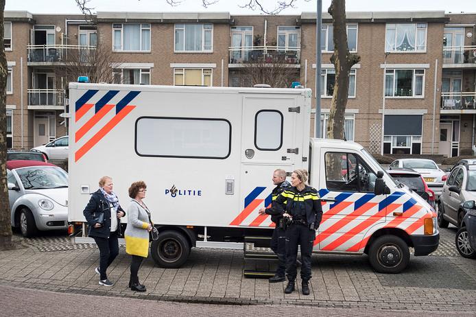 De mobiele politiepost die maandag bij het 'plaats delict' werd neergezet.