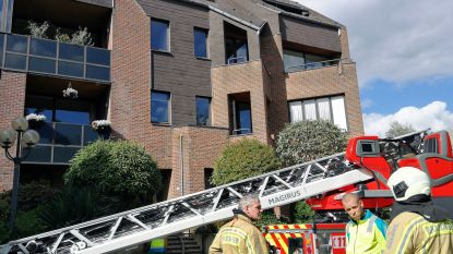 Bewoner komt om het leven bij brand in dakappartement