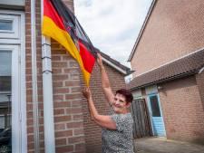 Groesbeekse Adele is voor Duitsland: 'Als de Mannschaft het veld opkomt, gebeurt er iets met me'